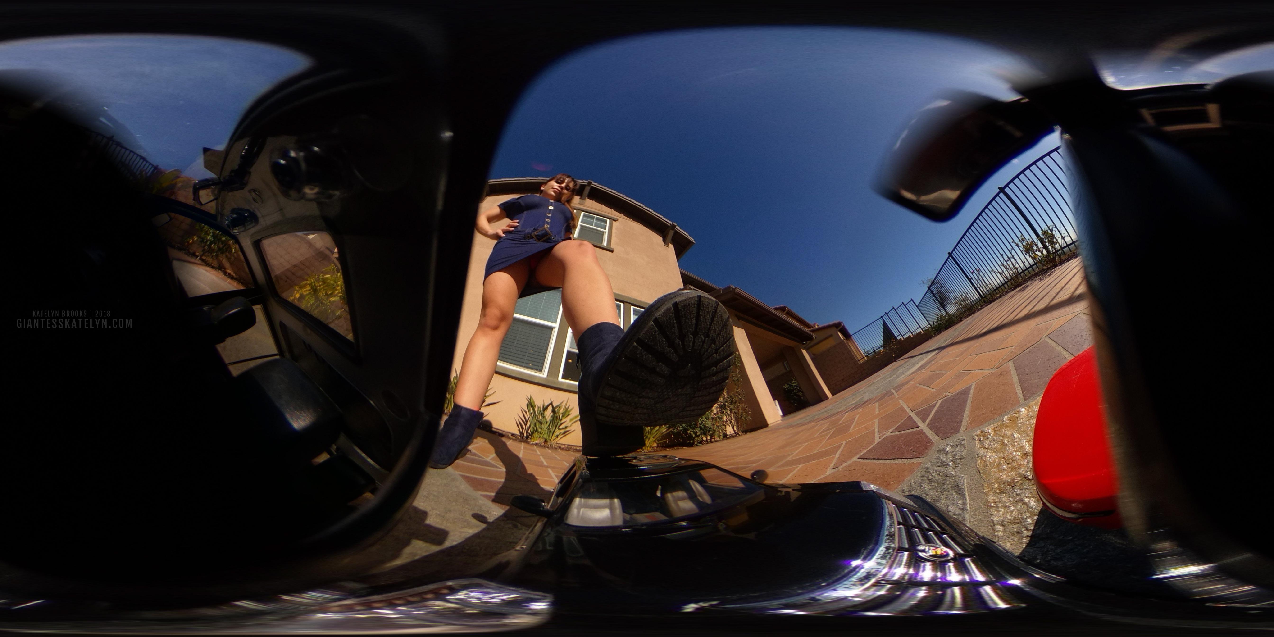 360-4k-vr-shrunken-man-pov-inside-car-08