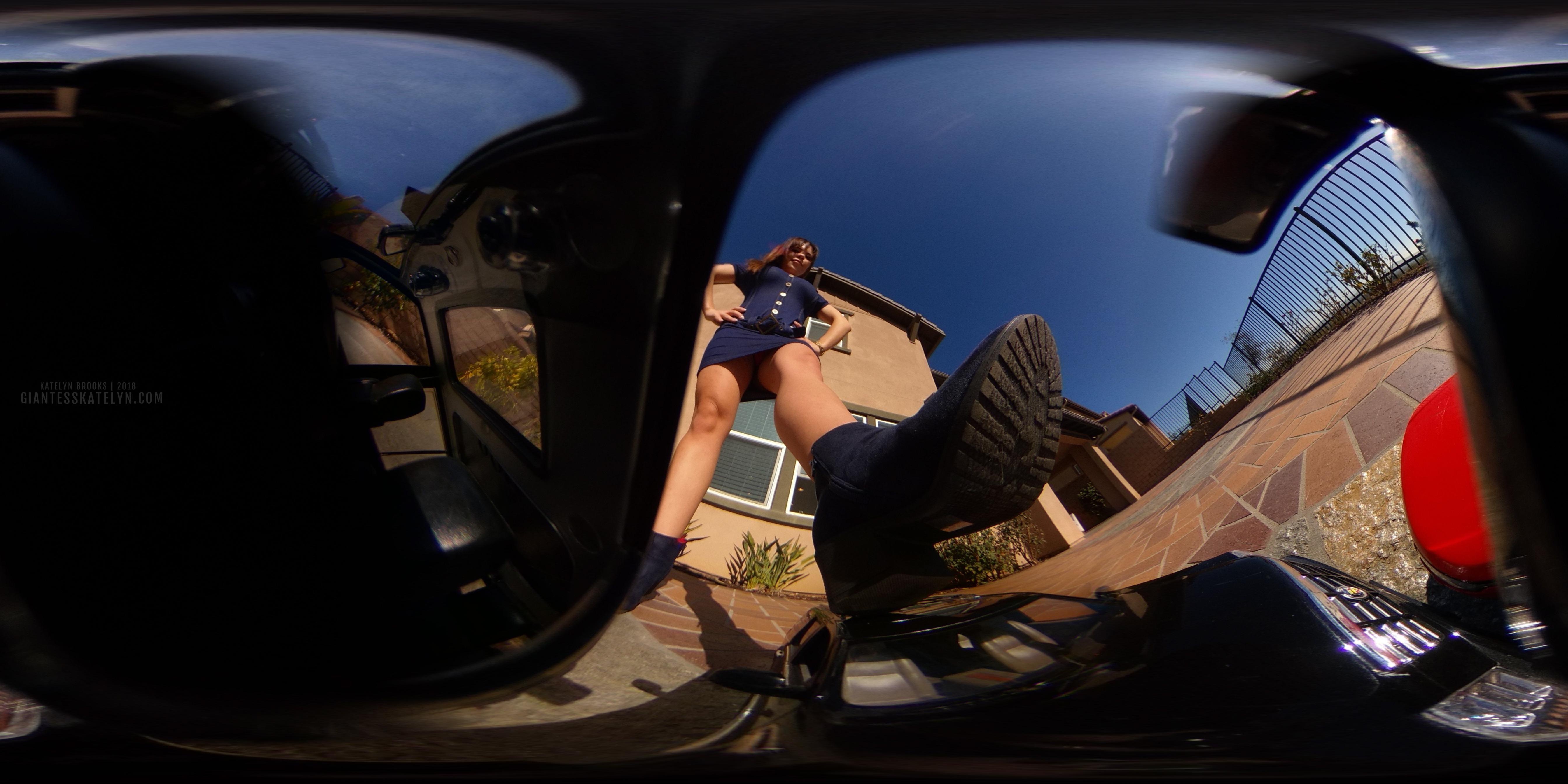 360-4k-vr-shrunken-man-pov-inside-car-10