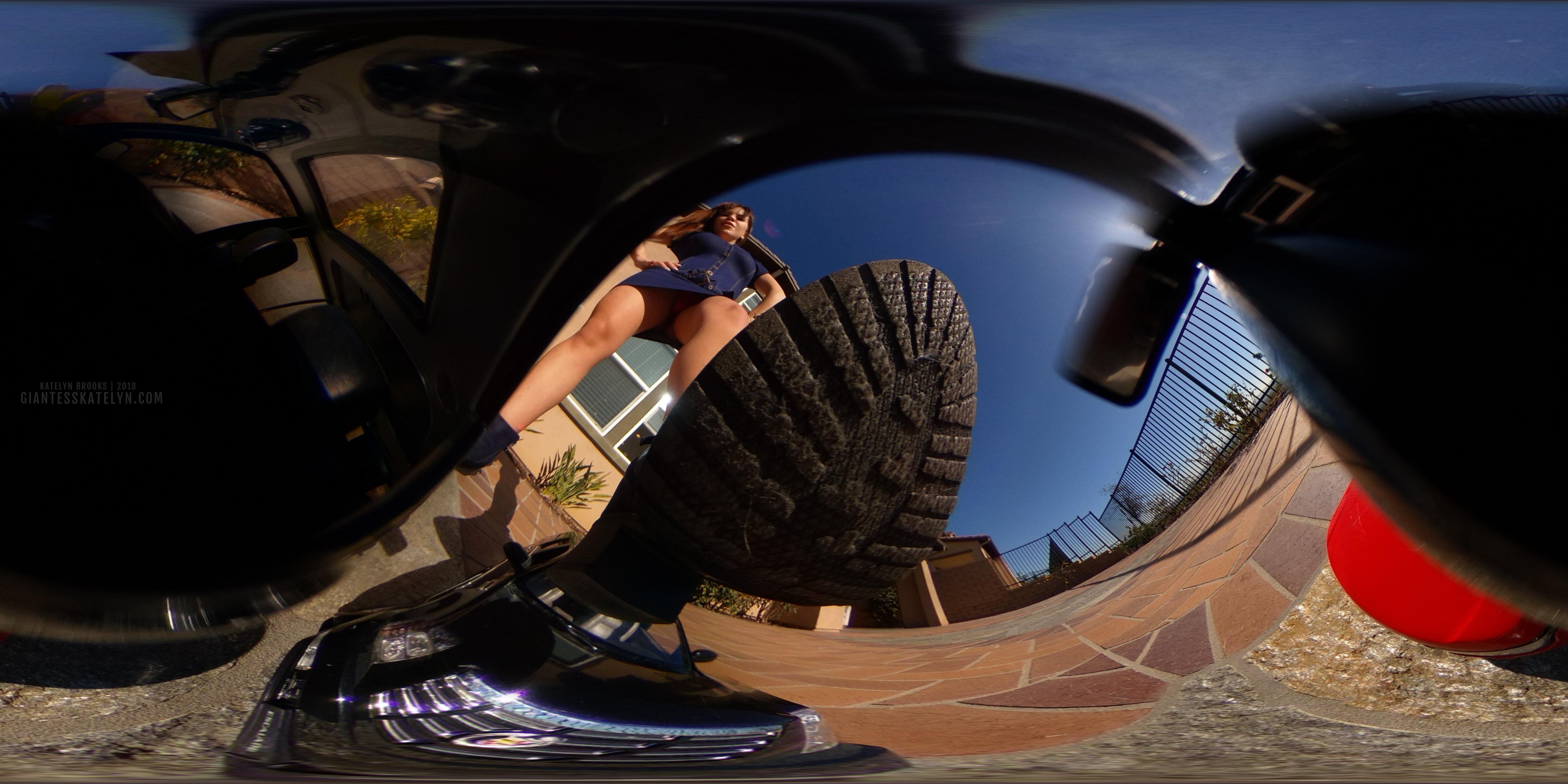 360-4k-vr-shrunken-man-pov-inside-car-11