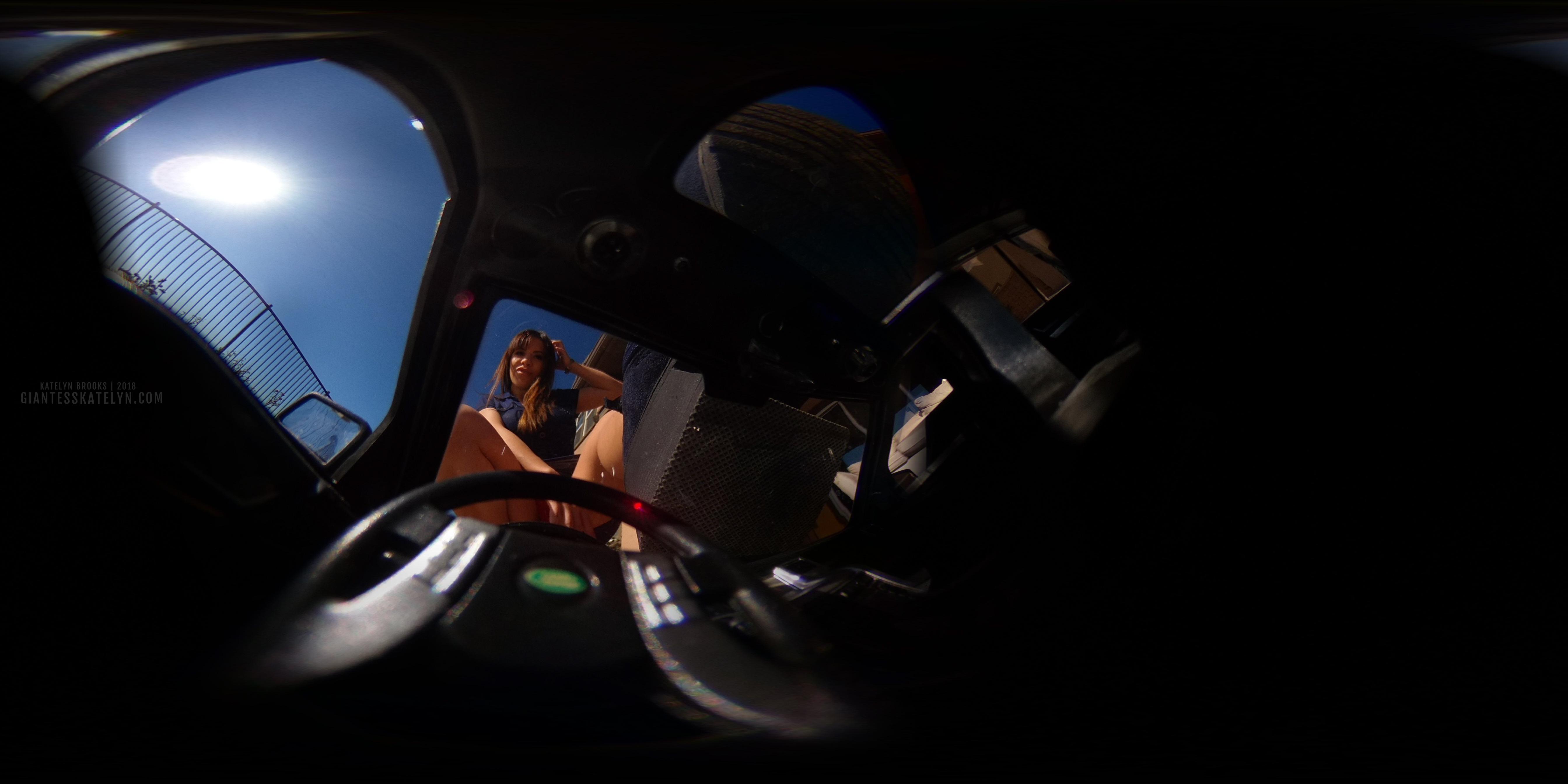 360-4k-vr-shrunken-man-pov-inside-car-12