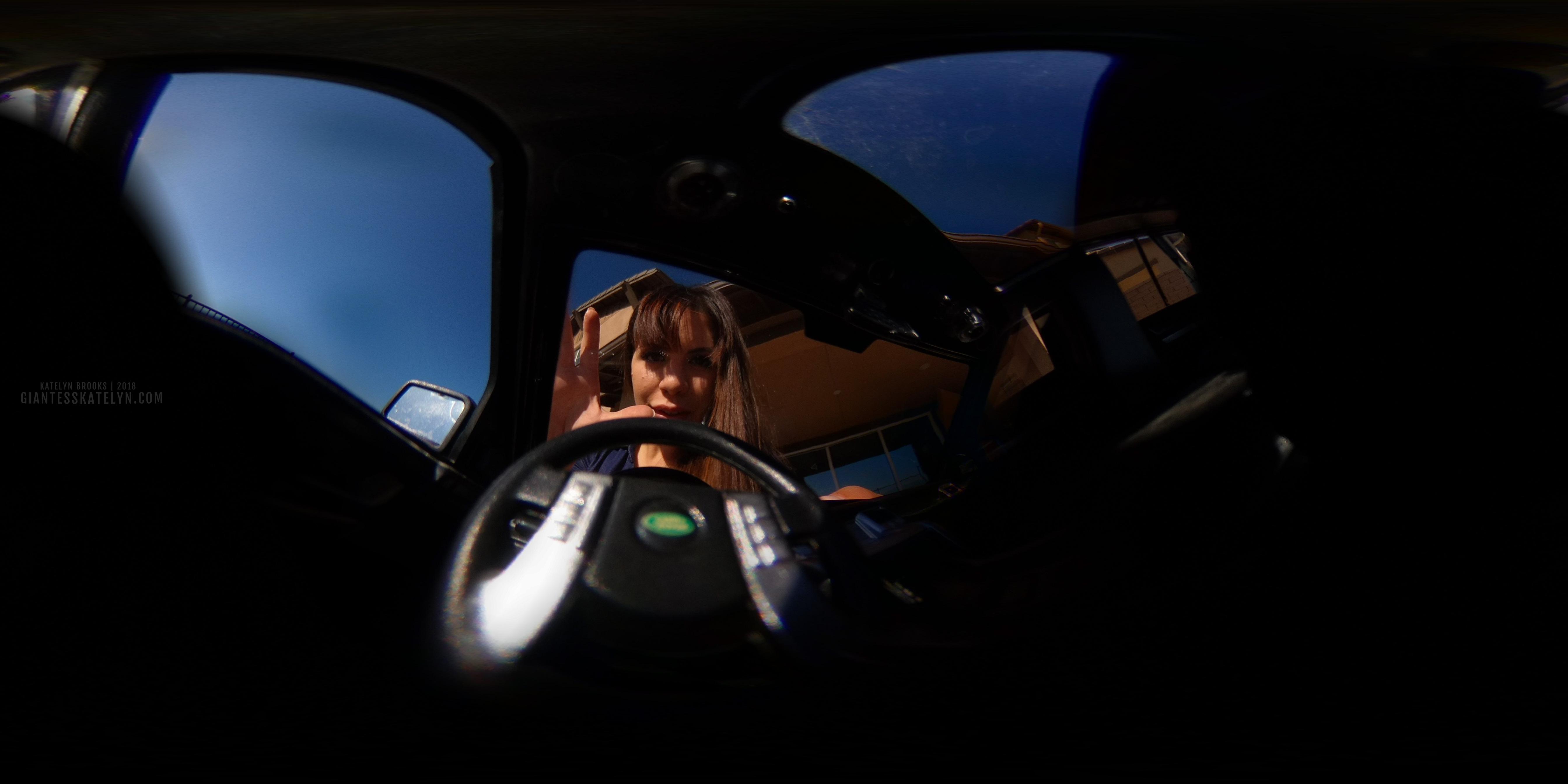 360-4k-vr-shrunken-man-pov-inside-car-19