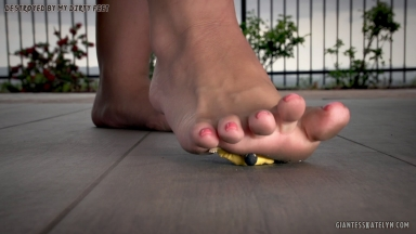 giantess-katelyn-destroyed-by-my-dirty-feet-02