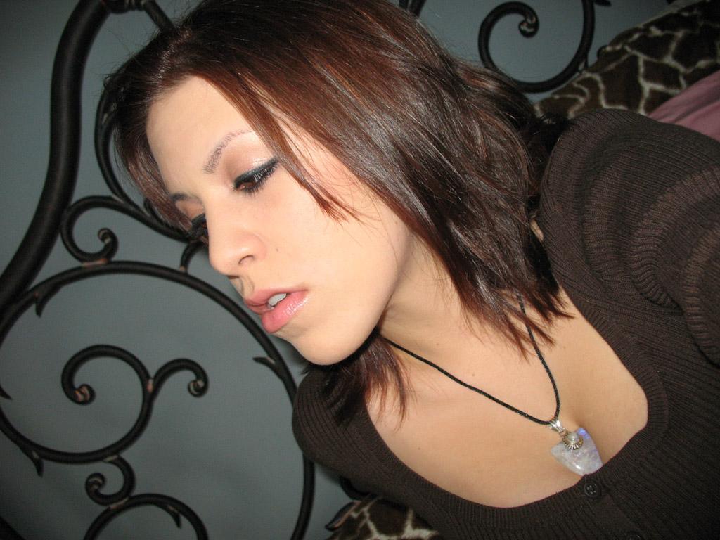 Giantess Katelyn Hair Color 1