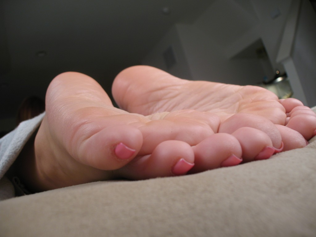 Toes of a Giantess